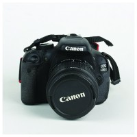 Canon EOS600D +18-55 IS